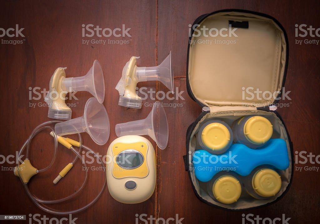 Bomba tira-leite elétrico - foto de acervo