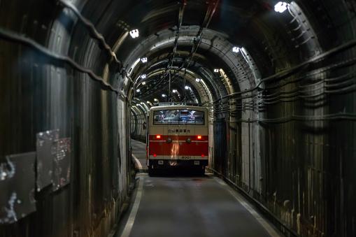 Autobús Eléctrico En Túnel Foto de stock y más banco de imágenes ...