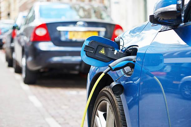Elektroauto aufladen – Foto