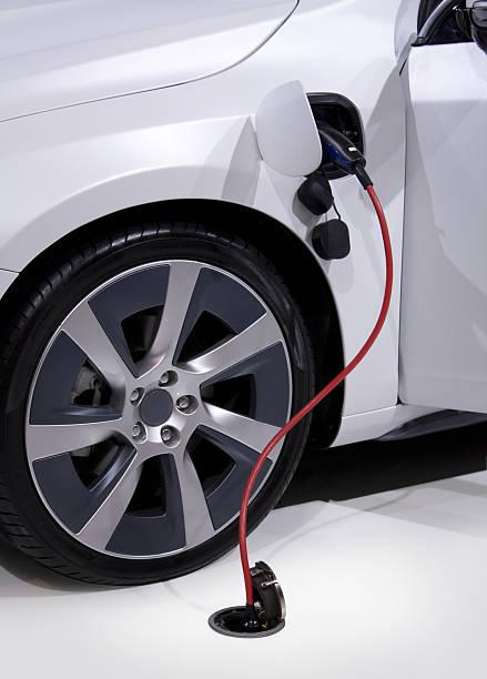 Elektroauto aufladen mit plug – Foto
