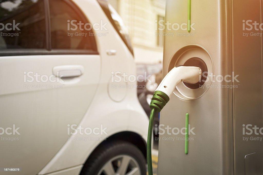 Ladestationen für Elektrofahrzeuge Lizenzfreies stock-foto