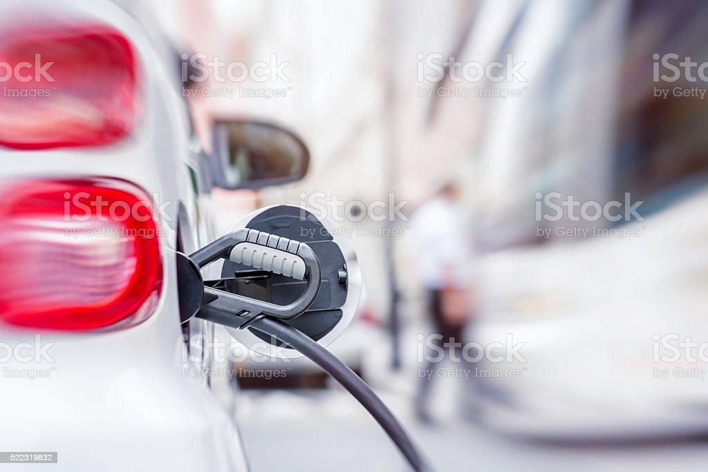 Ricarica per auto elettriche in - foto stock