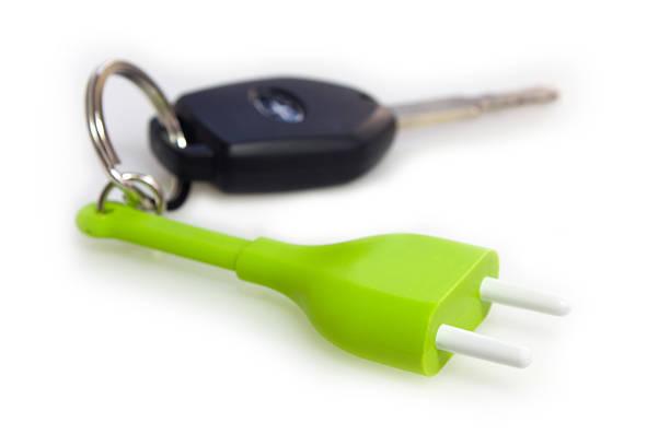 Elektrisches Auto Schlüssel und Schlüsselring plug – Foto