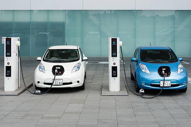 Les voitures électriques sont facturées à bornes de recharge - Photo