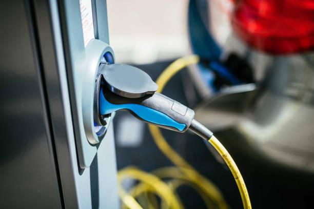 Elektroautos auf Ladegeräten - Innovation in der Energie- und Transportindustrie – Foto