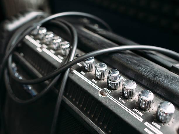 Electric guitar amplifier knobs closep圖像檔