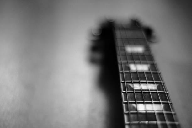 E-Gitarre Griffbrett Hintergrund in schwarz / weiß – Foto