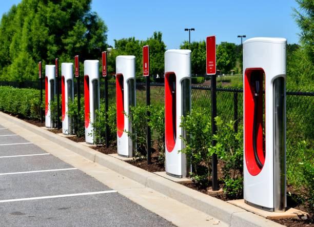 Voiture hybride électrique charge secteur - Photo
