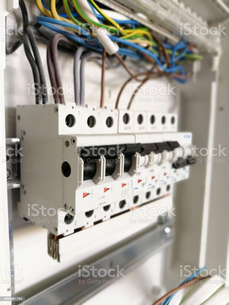Elektrische Installation Im Schaltschrank Schaltschrank Stock ...