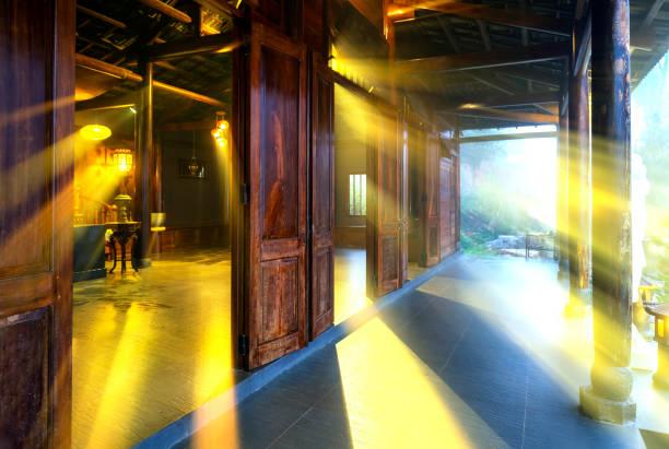 Elektrisches Licht im Tempel – Foto