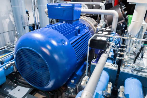 motor eléctrico de un compresor de gas industrial de gran alcance - compresor motor fotografías e imágenes de stock