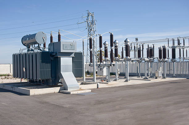 electric power substation - hoogspanningstransformator stockfoto's en -beelden