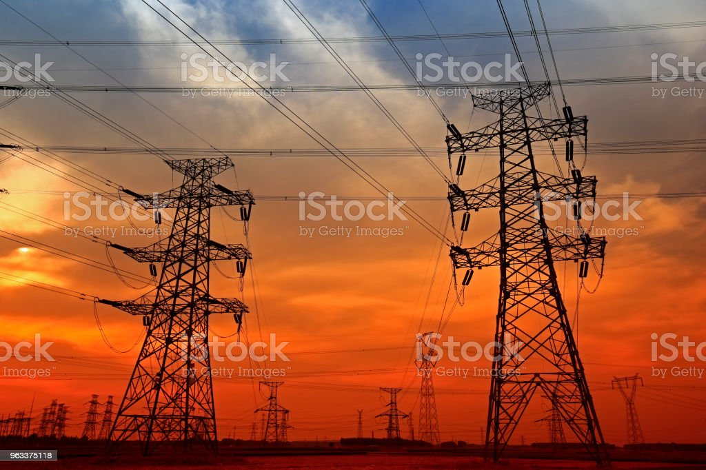 Electric tower, silhouette at sunset - Zbiór zdjęć royalty-free (Bez ludzi)