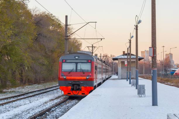 Cтоковое фото Electric train awaits passengers on the platform