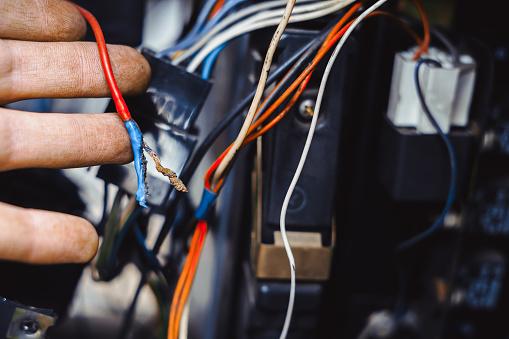 istock electrical repairs in cars 950997052