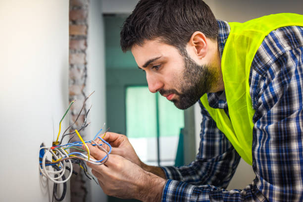 cables de conexión de electricista - electricista fotografías e imágenes de stock