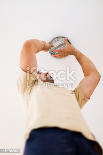 istock Electrician in Homes 480762939