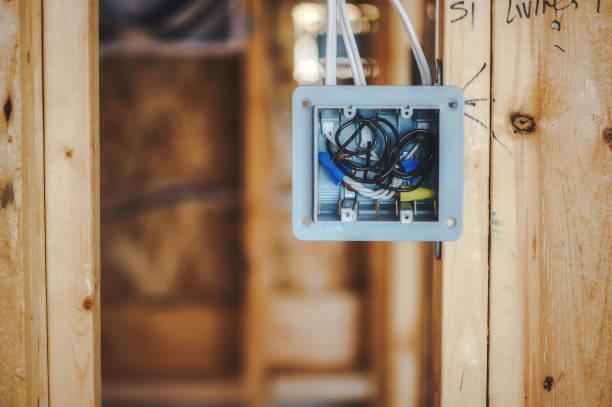 Elektriker Installation elektrische Verdrahtung Anschlusskasten – Foto