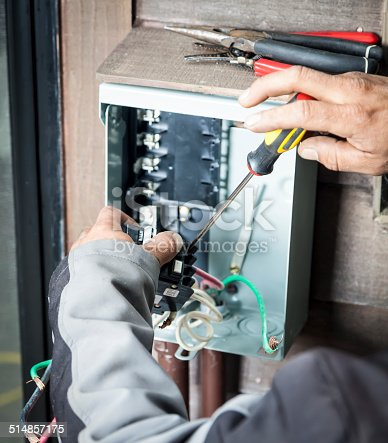 Installing circuit breaker in home