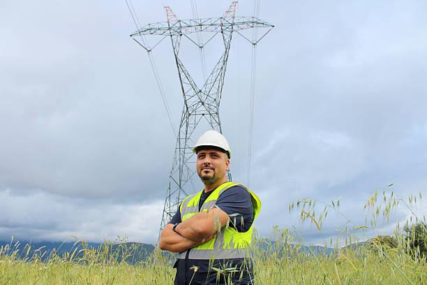 elektriker - waldhandwerk stock-fotos und bilder
