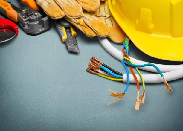 electricista. - electricista fotografías e imágenes de stock
