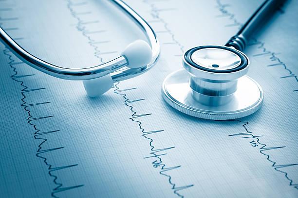 Electrocardiograph - foto de acervo