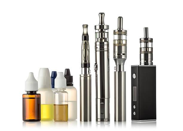 전자 담배 컬레션 흰색 바탕에 - 전자담배 뉴스 사진 이미지