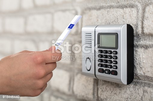 istock Electronic Key System To Lock And Unlock Door 915448440