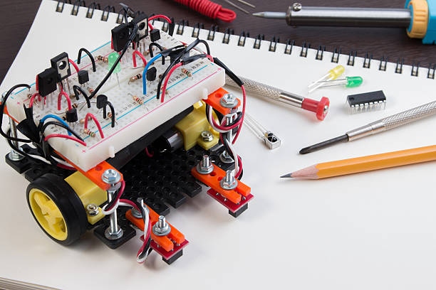 DIY Electronic Kit , Line tracking robot competition ideas. closeup. - foto de stock