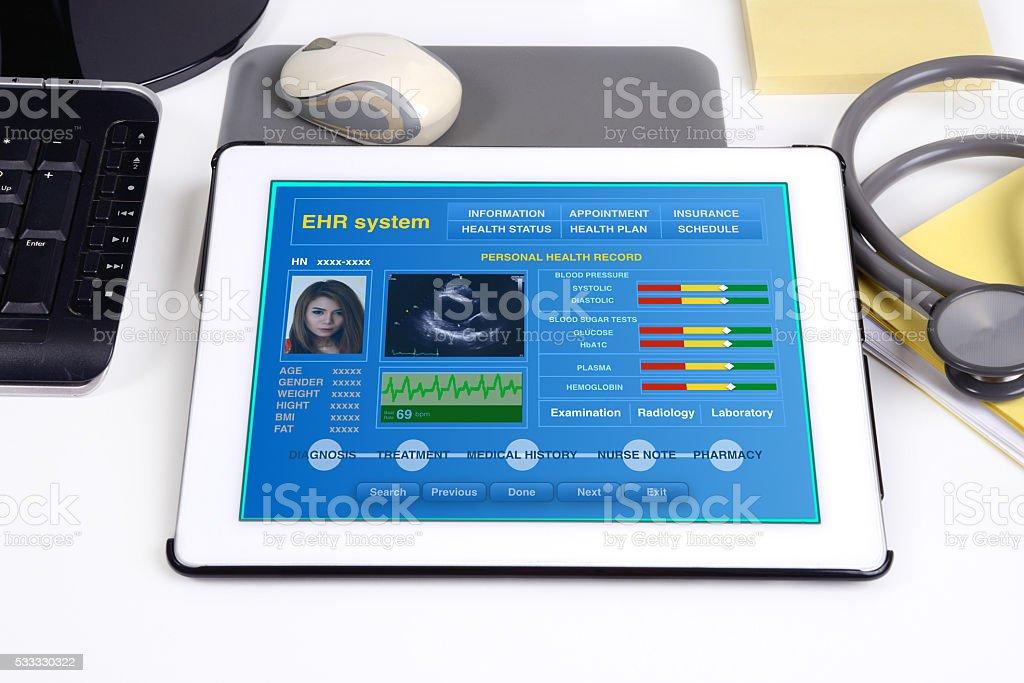 Electronic medical record on tablet. - foto de acervo