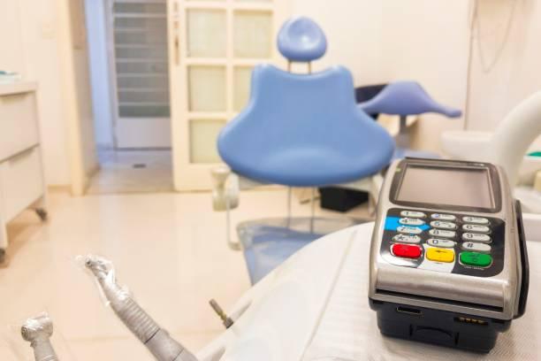 Elektronische Zahlung in Zahnmedizin – Foto
