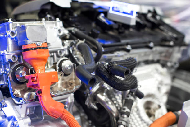electronic vehicles with powertrain and power connections. - automobile con biodiesel foto e immagini stock