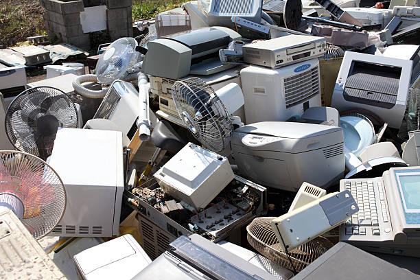 elektronischer abfall - freizeitelektronik stock-fotos und bilder