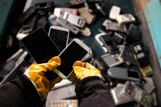 electronics recycling - electronics stock pictures, royalty-free photos & images