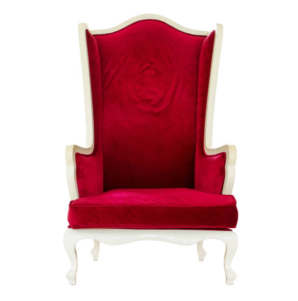 eleganz holzstuhl dekoration mit rotem samt stoff isoliert auf weißem hintergrund - hochkönig stock-fotos und bilder