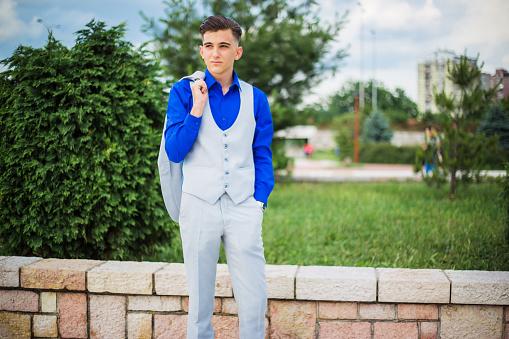 De Jongeman Elegantie Stockfoto en meer beelden van 18-19 jaar