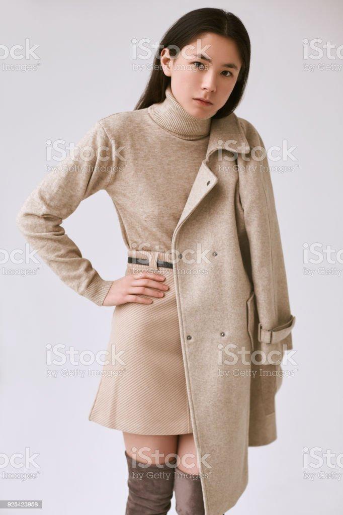 La Mode Élégante Asiatique Femme À Jupe En Laine Manteau Et xY0xW5qw