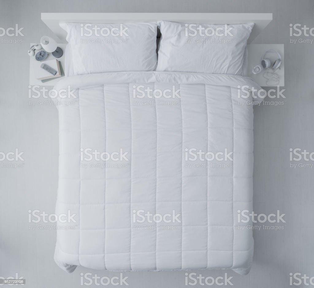 Elegante Schlafzimmer Stock-Fotografie und mehr Bilder von Bedecken ...