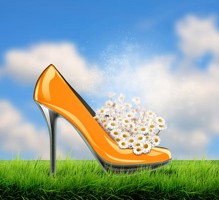 578573556 istock photo Elegant high heel shoes, symbol for wedding and engagement. 535274773