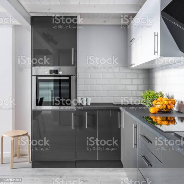 Elegant kitchen interior picture id1032504694?b=1&k=6&m=1032504694&s=612x612&h=eo2fc7ks6ldzujhc02evrrsnbes4phsxg6ylo8adqis=