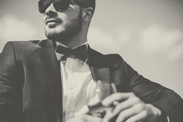 eleganten mann - hochzeitsanzug herren stock-fotos und bilder