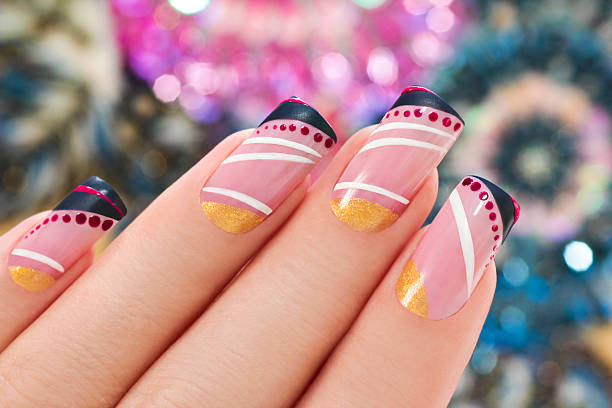 elegante nagel-design. - nageldesign trend stock-fotos und bilder