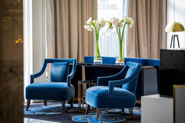 Elegant navy blue armchairs – Foto