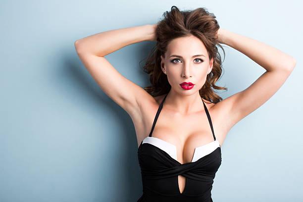 elegant sexy woman in a bathing suit shapely body. - partie du corps humain photos et images de collection
