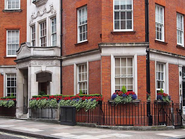 elegant townhouse London, Mayfair district, elegant townhouse mayfair stock pictures, royalty-free photos & images