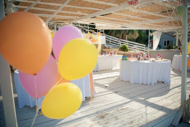 elegant wedding decoration - balão enfeite imagens e fotografias de stock