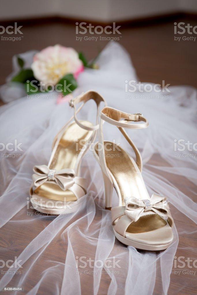 Elegante Hochzeit Goldene Sandalen Stockfoto Und Mehr Bilder
