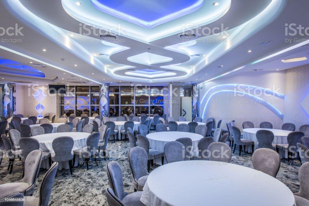 Elegante Hochzeit Halle und Lightetning Decke – Foto
