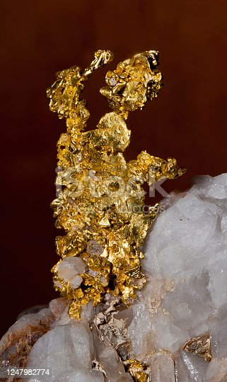 Elemental gold; crystal gold; isometricx; from Placer County, California; Gold,