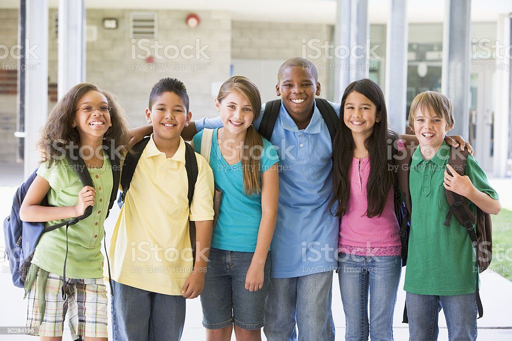 Elementary school class outside Elementary school class standing outside 10-11 Years Stock Photo